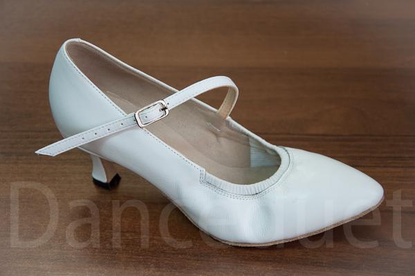 Белые туфли для бальных танцев